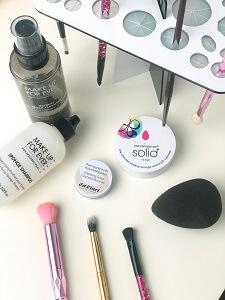 limpar pinceis maquilhagem